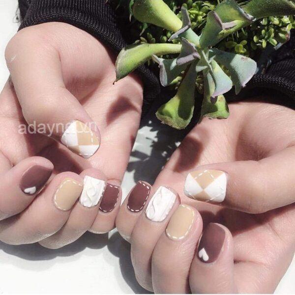 Đơn giản mẫu nail đẹp kiểu Hàn Quốc cho nàng outfit hoàn hảo, thu hút ánh nhìn người đối diện