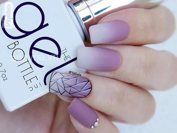 Đổ đứ đừ trước đơn giản mẫu nail đẹp ombre tím móng nhám