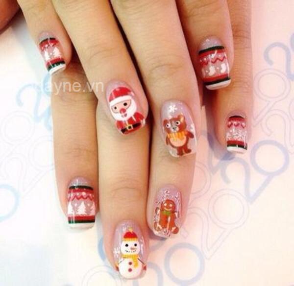 Một phiên bản mẫu nail noel họa tiết Ông già Noel, người tuyết, gấu nâu và bánh nướng cực kỳ dễ thương