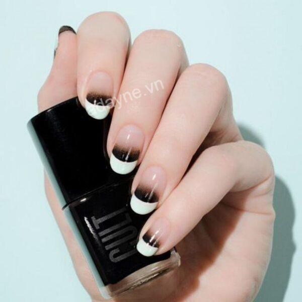 Mẫu nail đơn giản nhẹ nhàng phong cách Ombre kiểu Pháp vô cùng quý phái