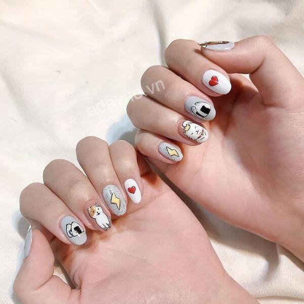 Mẫu nail đơn giản họa tiết hoạt hình dễ thương hết nấc theo chân nàng tới trường