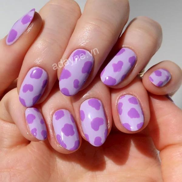 Mẫu nail đơn giản nhẹ nhàng họa tiết da báo tone tím đẹp ngẩn ngơ
