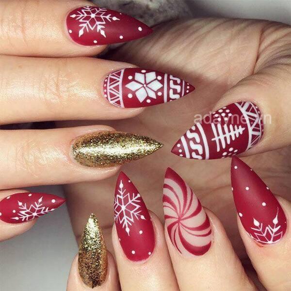 Mẫu móng tay noel đẹp miễn chê phải thử ngay trong mùa Giáng sinh 2021