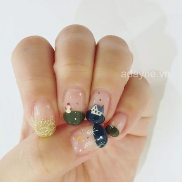 Vẻ đẹp ngọt ngào của phong cách nail noel kiểu Pháp với họa tiết Giáng sinh xinh xắn