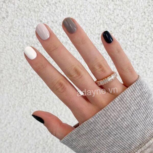 Mix màu tinh tế để có mẫu nail Tết diện du xuân sang trọng, trẻ trung