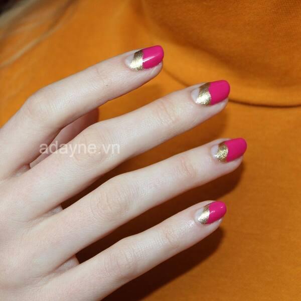 Đốn tim cô nàng kiêu kỳ với mẫu nail đơn giản nhẹ nhàng tông hồng fuchsia cực độc đáo