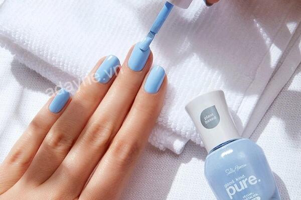 Nail xanh pastel trơn mang lại cảm giác nhẹ nhàng, tinh tế