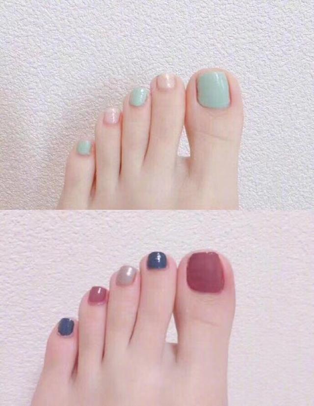 Nail chân kiểu basic kết hợp nhiều màu sáng tạo