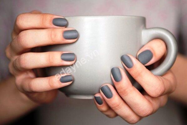 Màu nails tôn da cho cô nàng thêm phần tự tin mỗi lần xuất hiện