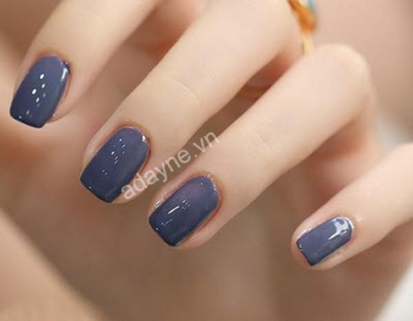 Mẫu nail màu xanh coban tôn da