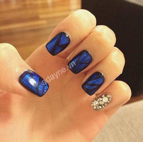 Biến tấu đơn giản để mẫu vẽ nail trở nên thời thượng và bắt kịp xu hướng