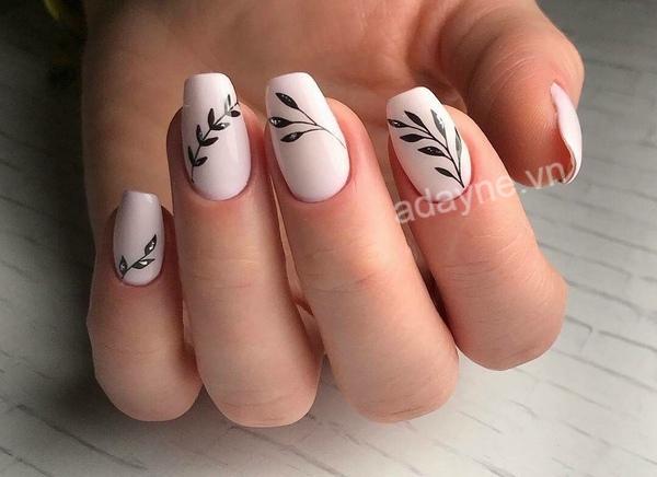 Mẫu nail vẽ hoa đơn giản họa tiết cách điệu sang chảnh