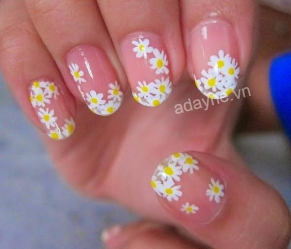 Mẫu nail vẽ hoa đơn giản họa tiết hoa cúc