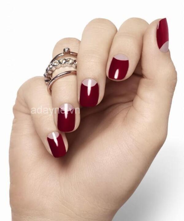 Đỏ mận là màu nail cho làn da ngăm đẹp quyến rũ, sexy
