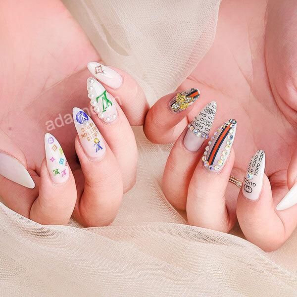 Kết hợp mẫu móng tay nhà mốt Gucci và Louis Vuitton ra mắt mẫu nail gucci đẹp, không sợ đụng hàng