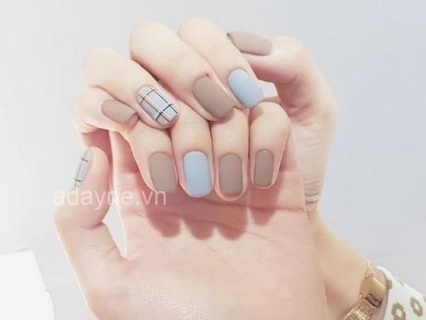 Mẫu nail đẹp ngày Tết cho cô nàng yêu thích sự đơn giản