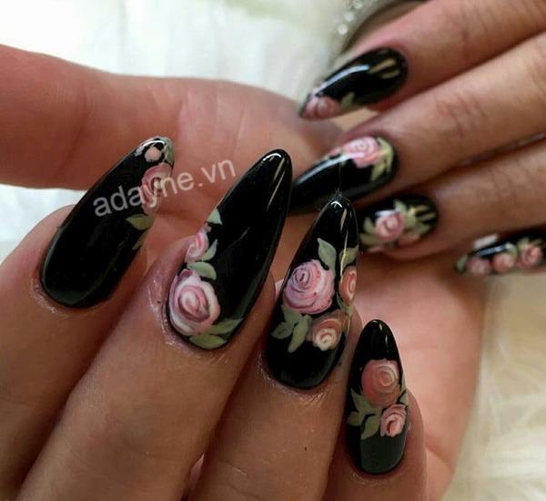 Nail màu đen sang chảnh họa tiết hoa hồng quý phái, kiêu sa