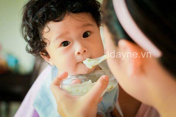 Trên thị trường có các loại gia vị cho bé ăn dặm pha sẵn theo công thức
