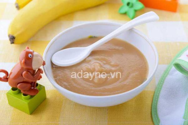 Khi chế biến thực phẩm cho trẻ dưới 1 tuổi thì ba mẹ không nên nêm nếm quá nhiều loại gia vị