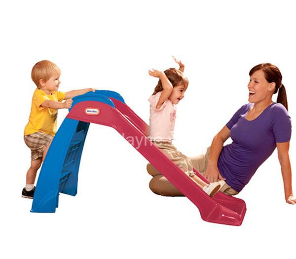 Chơi cầu trượt mang lại nhiều lợi ích cho bé yêu