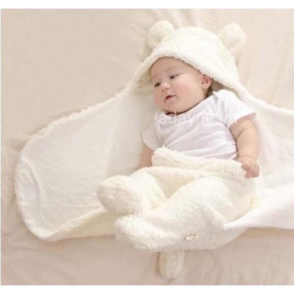 Túi lông thú cao cấp thích hợp sử dụng vào mùa lạnh, trở thành một trong những sản phẩm được ưu tiên hàng đầu trong thị trường túi ngủ cho trẻ em.